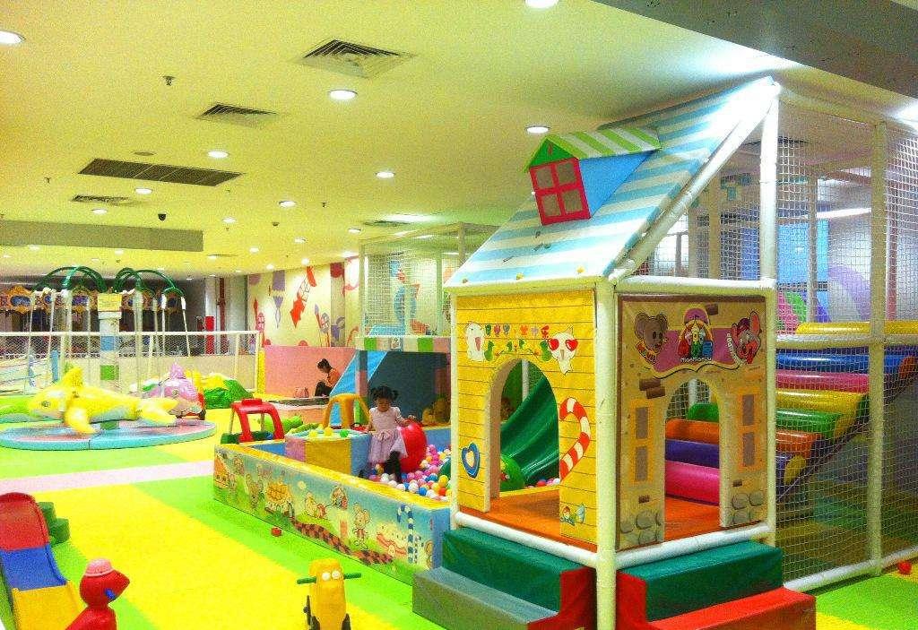 室内儿童游乐园